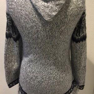 Kactus Sweaters - ALPACA  Gray & Black Hooded Fringed Sweater Size S